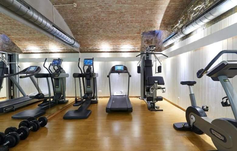 HiLight Suites Hotel - Sport - 9