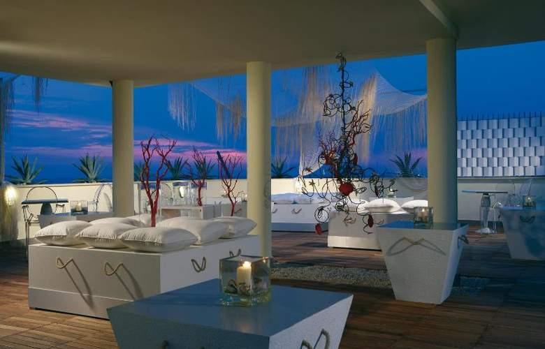 Barceló Aran Blu - Terrace - 12