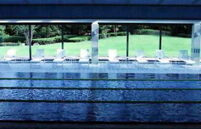 Hilton Tokyo Narita Airport Hotel - Pool - 2