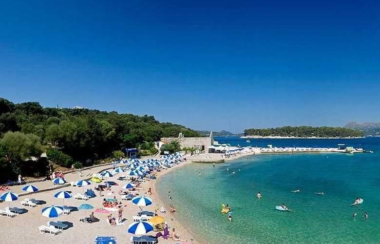 Valamar Argosy - Beach - 4