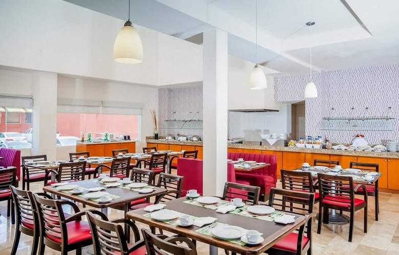Fiesta Inn Monterrey Fundidora - Restaurant - 6