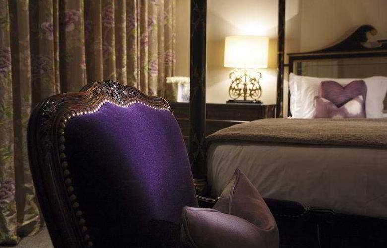 The Kensington Hotel - Room - 5