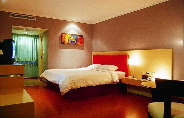 S D Avenue - Room - 2