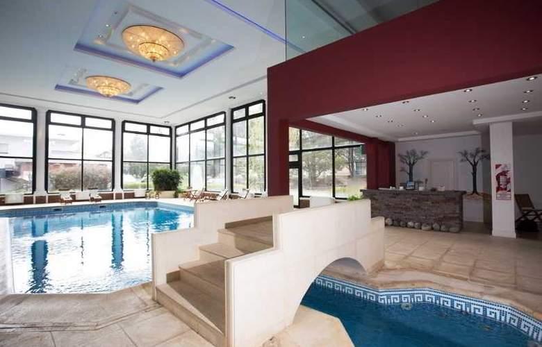 Unique Luxury Patagonia - Pool - 26