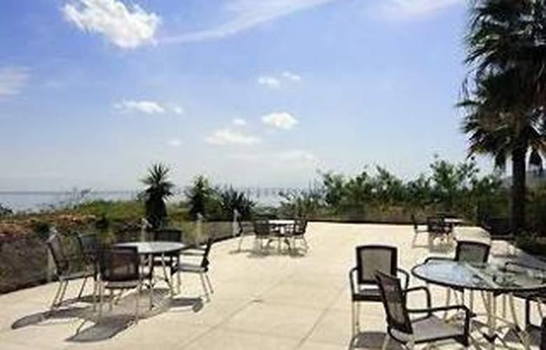 Mercure Niteroi Orizzonte - Terrace - 6