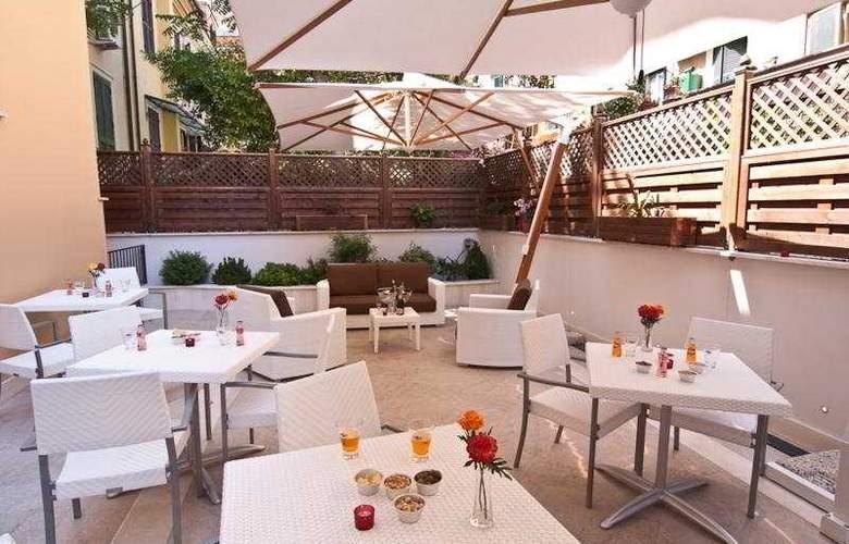 Best Roma - Terrace - 11