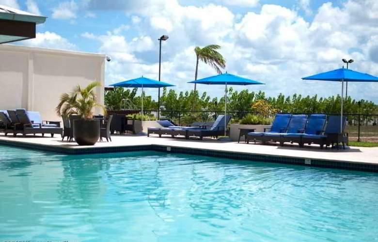 Courtyard Marriott Paramaribo - Pool - 5
