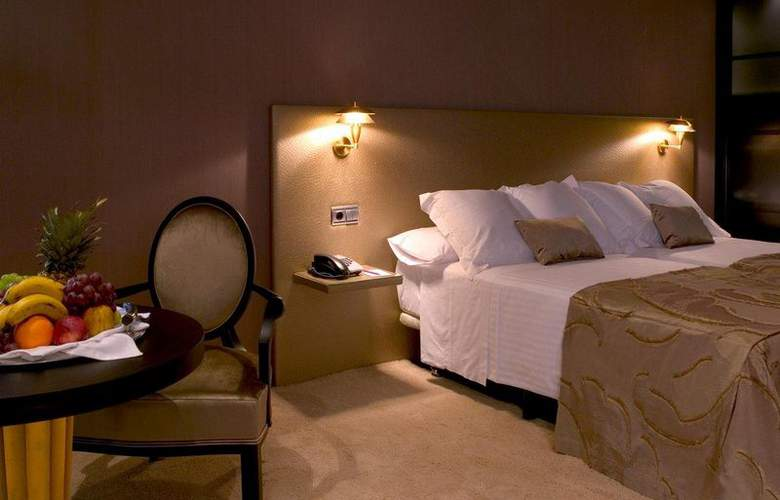 Oca Santo Domingo Plaza - Room - 17