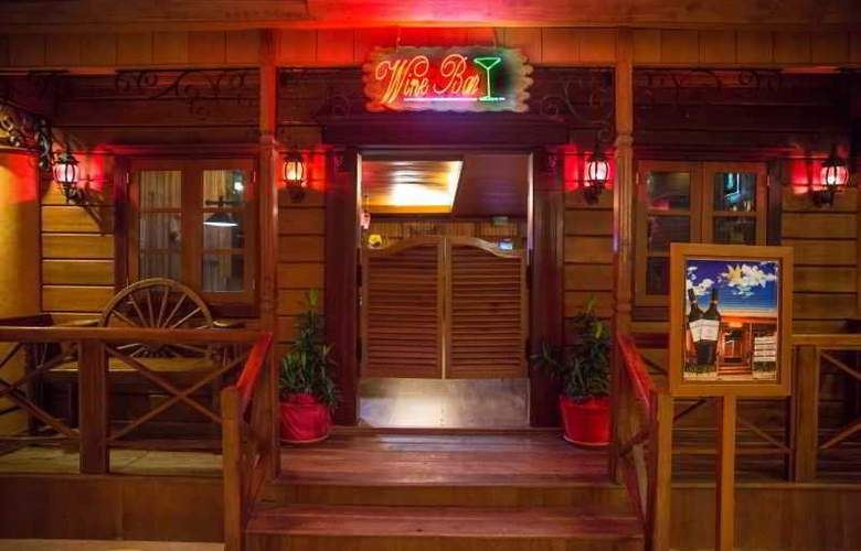 Goodway Hotel Batam - Bar - 3