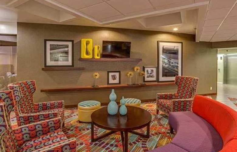 Hampton Inn Daytona Speedway-Airport - Hotel - 0