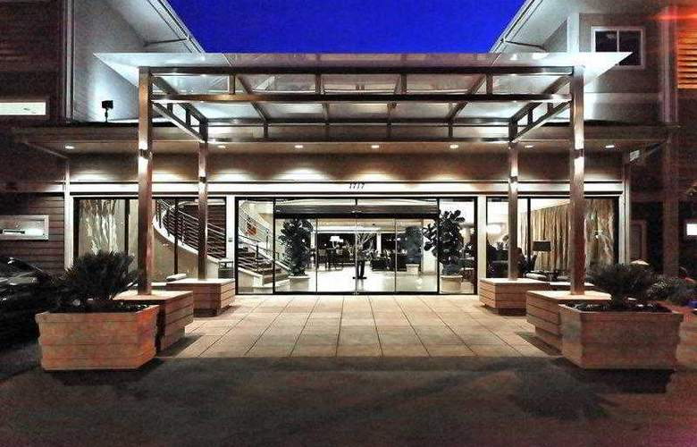 Best Western Plus Bayside Hotel - Hotel - 0