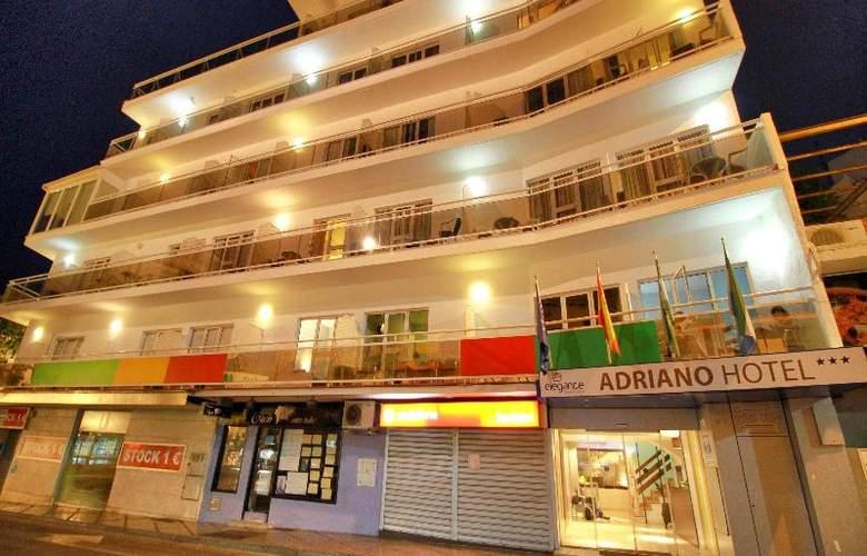 Elegance Adriano - Hotel - 9