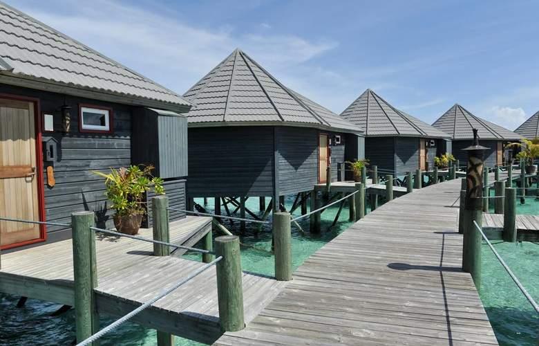 Komandoo Maldive Island Resort - Hotel - 7