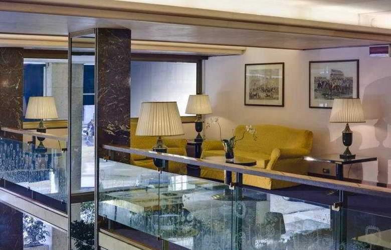 Plaza - Hotel - 5