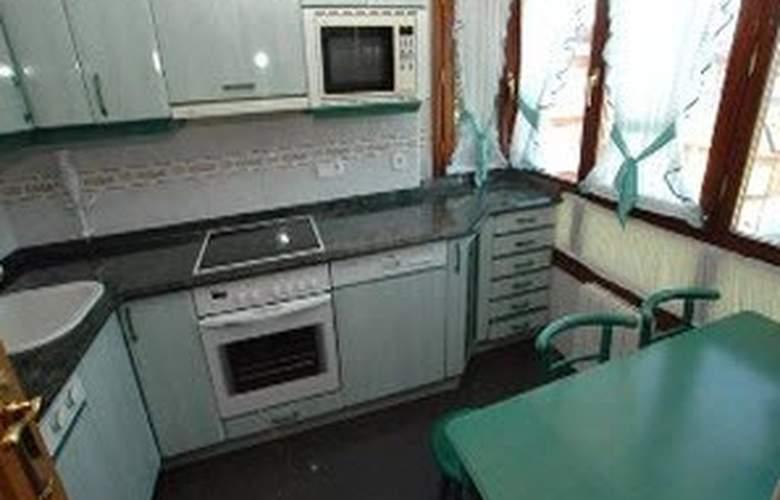 Apartamentos Conchi - Room - 0