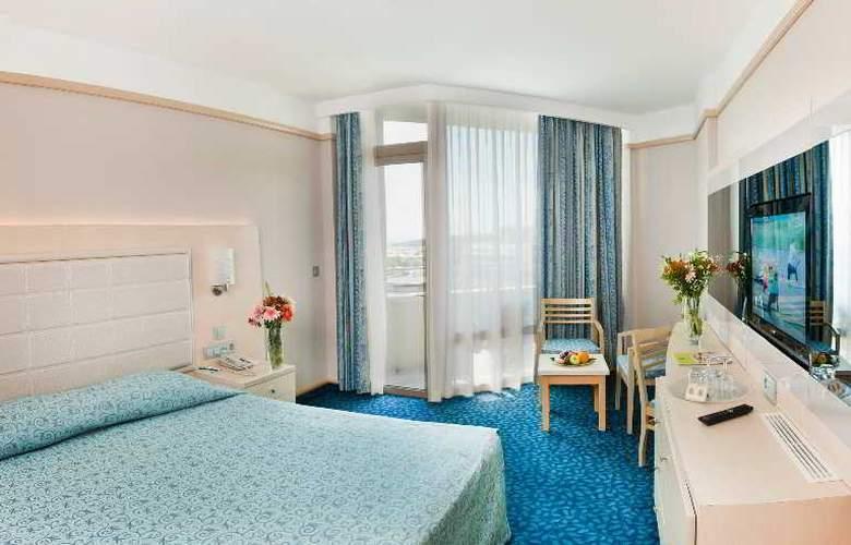 Golden Coast Resort - Room - 10