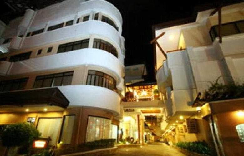 Crown Regency Residences Cebu City - General - 1