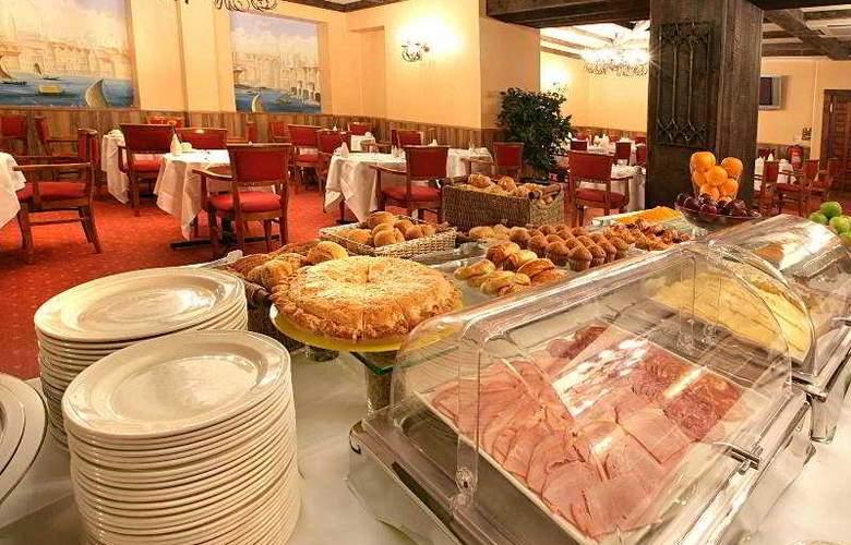 Henry VIII - Restaurant - 4