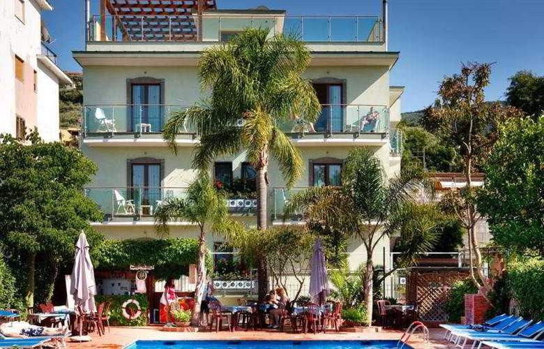 Comfort Hotel Gardenia Sorrento Coast - Pool - 4