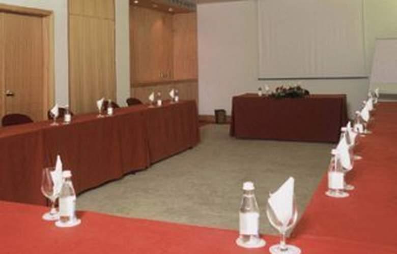 Avenida - Conference - 7