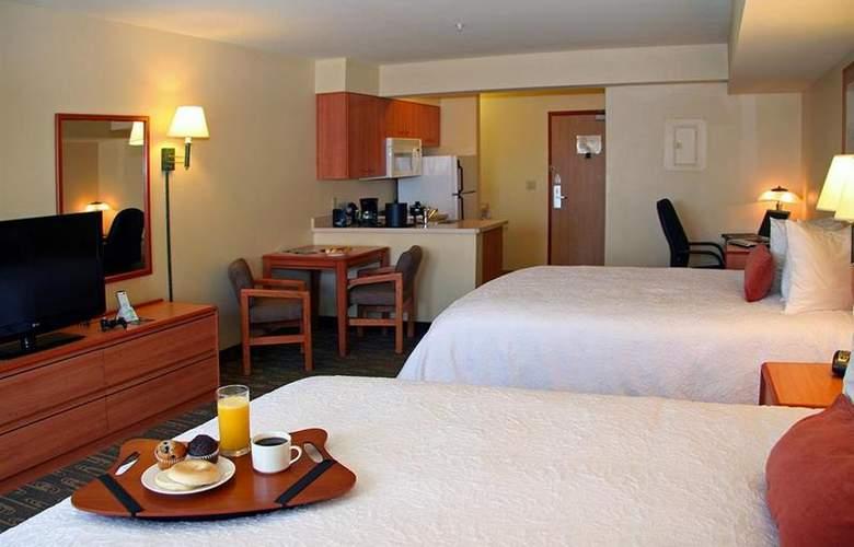 Best Western Plus Navigator Inn & Suites - Room - 16