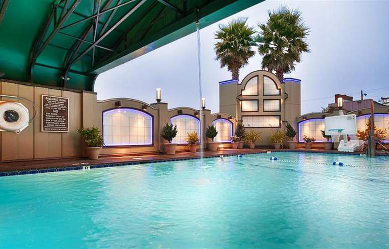 Best Western Plus Humboldt Bay - Pool - 47