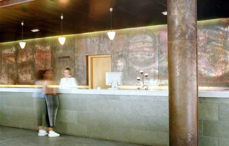 Advise Hotels Reina - General - 2