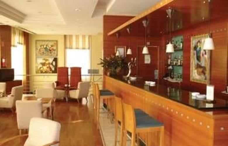 NH Sevilla Viapol - Bar - 6