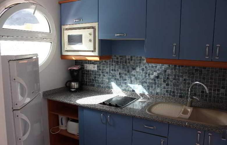 Servatur Terrazamar Sunsuite - Room - 23