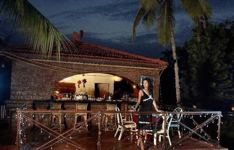 Whispering Palms Beach Resort - Hotel - 4