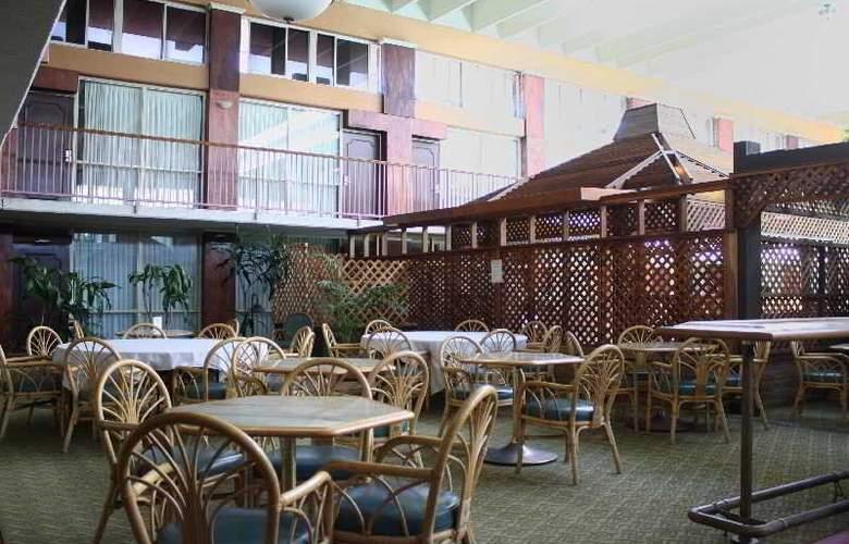 Clarion Inn Modesto - Sport - 9