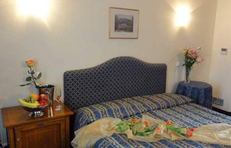 Tyl Hotel - Room - 2