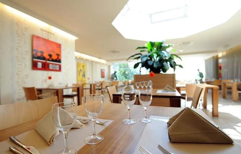 Atrium Arles - Restaurant - 26