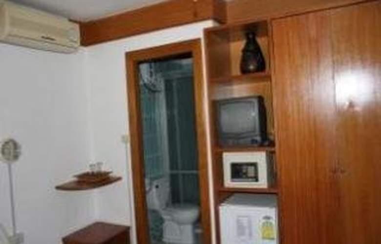 Beach Road Inn - Room - 11