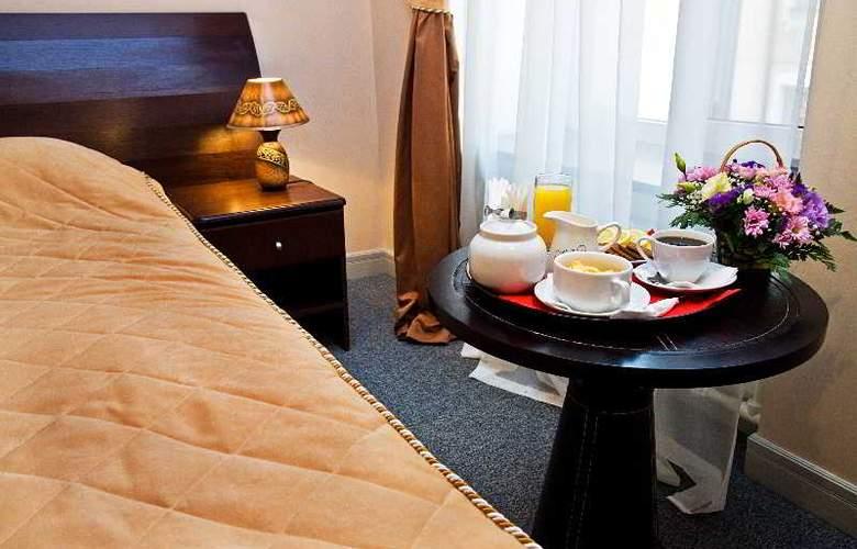 Grand Mark Hotel - Room - 6