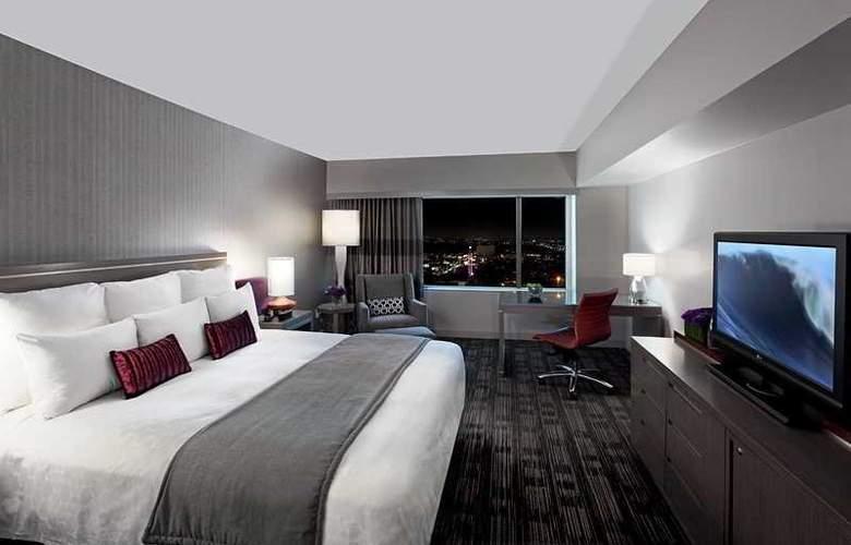 Loews Hollywood - Room - 2