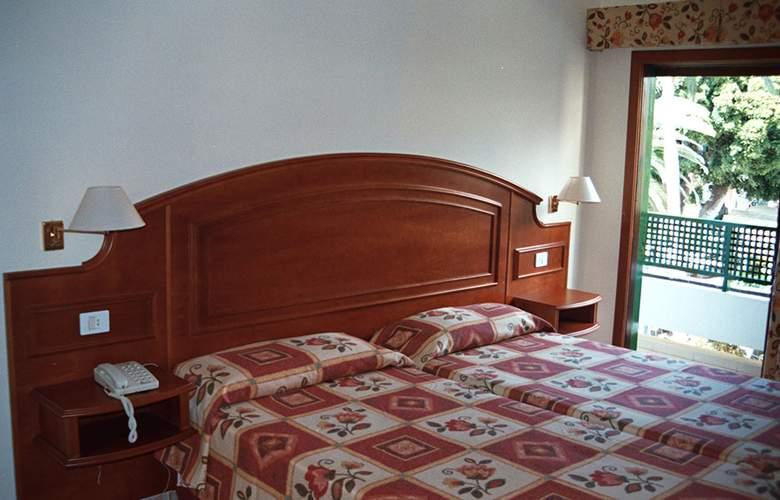 Tropical - Room - 1