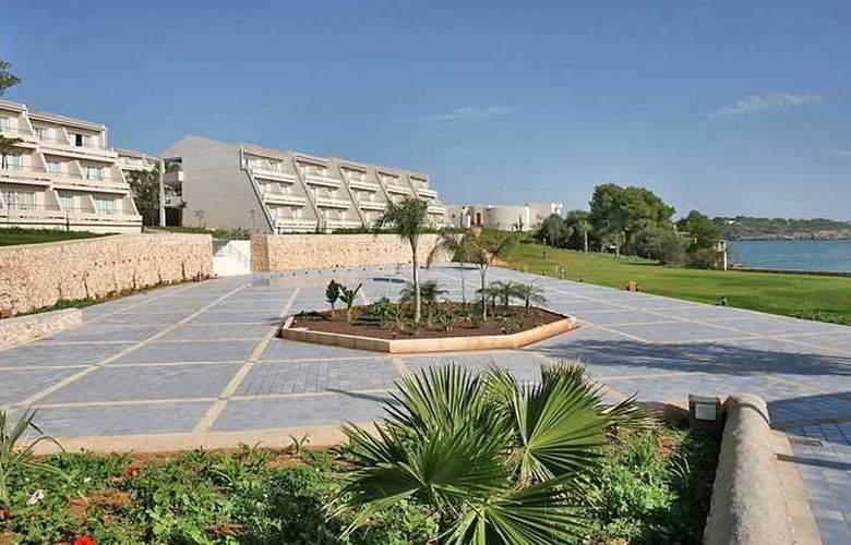 Blau Privilege Porto Petro Beach Resort & Spa - General - 8