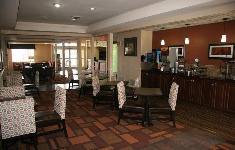 Best Western Plus Lubbock Windsor Inn - Restaurant - 33