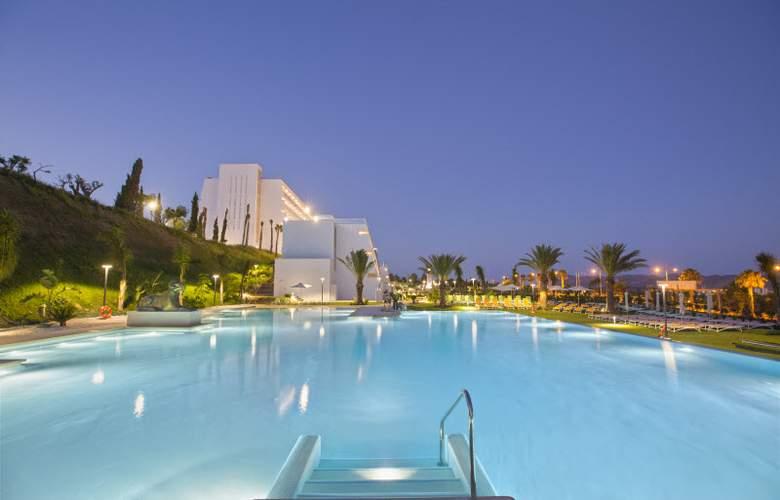 Grand Luxor - Pool - 5