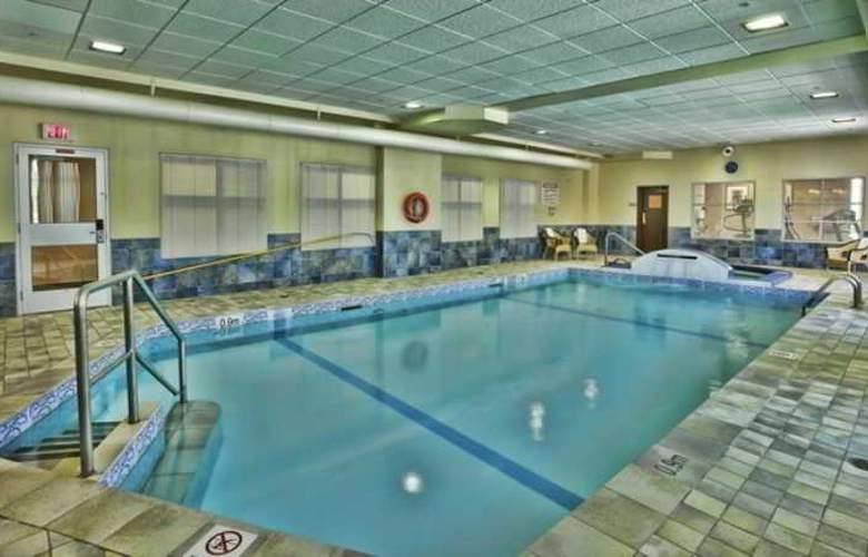 Humphry Inn & Suites Winnipeg - Pool - 8