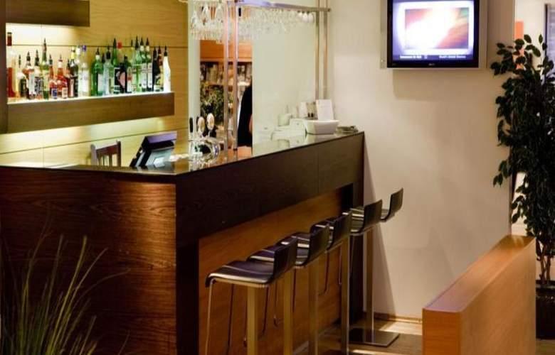 Centerhotel Plaza - Bar - 18