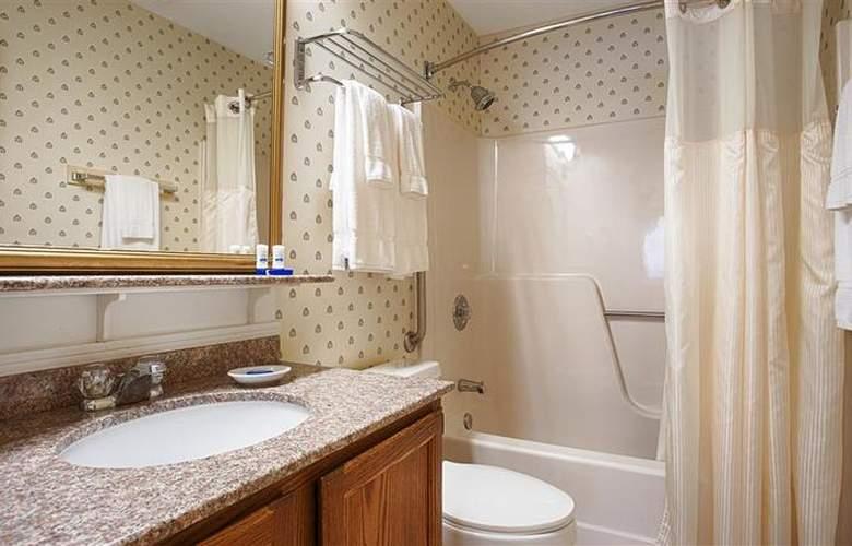 Best Western Plus Inn & Suites - Room - 17