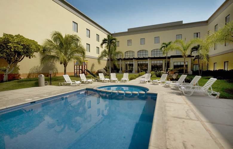 Fiesta Inn Colima - Pool - 3