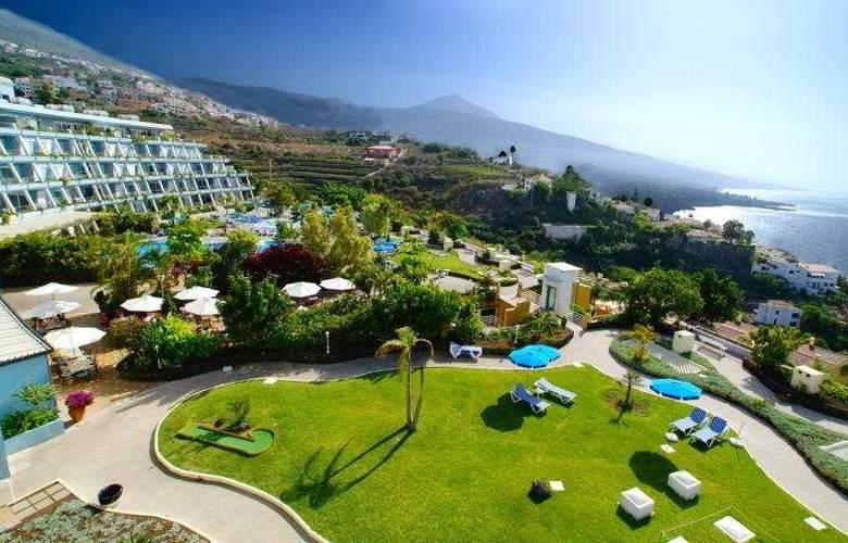 La Quinta Park Suites - Terrace - 0