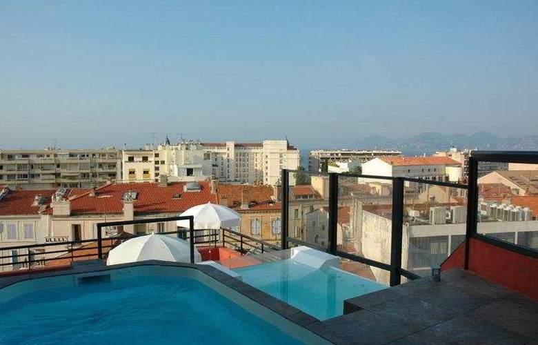 Eden Hotel & Spa - Pool - 1