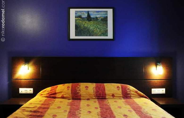 INTER-HOTEL du Cheval Noir - Room - 1