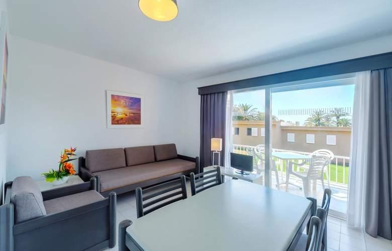 PortBlue Rafalet Apartments - Room - 8