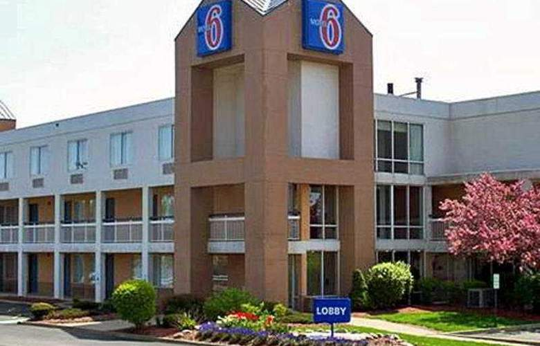 Motel 6 Cleveland - Willoughby - Hotel - 0