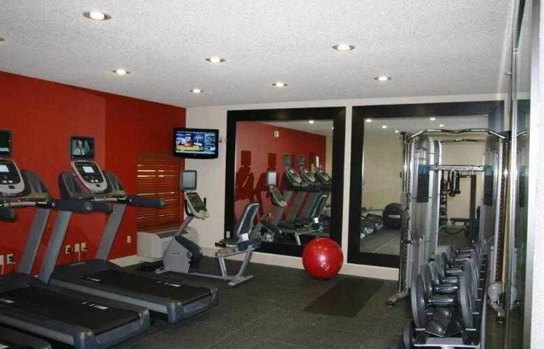 Hampton Inn Tropicana - Sport - 6